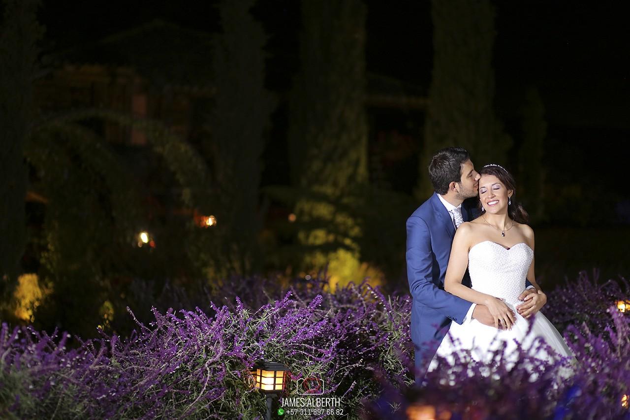 fotografia-de-bodas-nocturnas-bodas-de-noche-fotos-perfectas-fotografo-de-bodas-james-alberth-tobar-wedding-photographer
