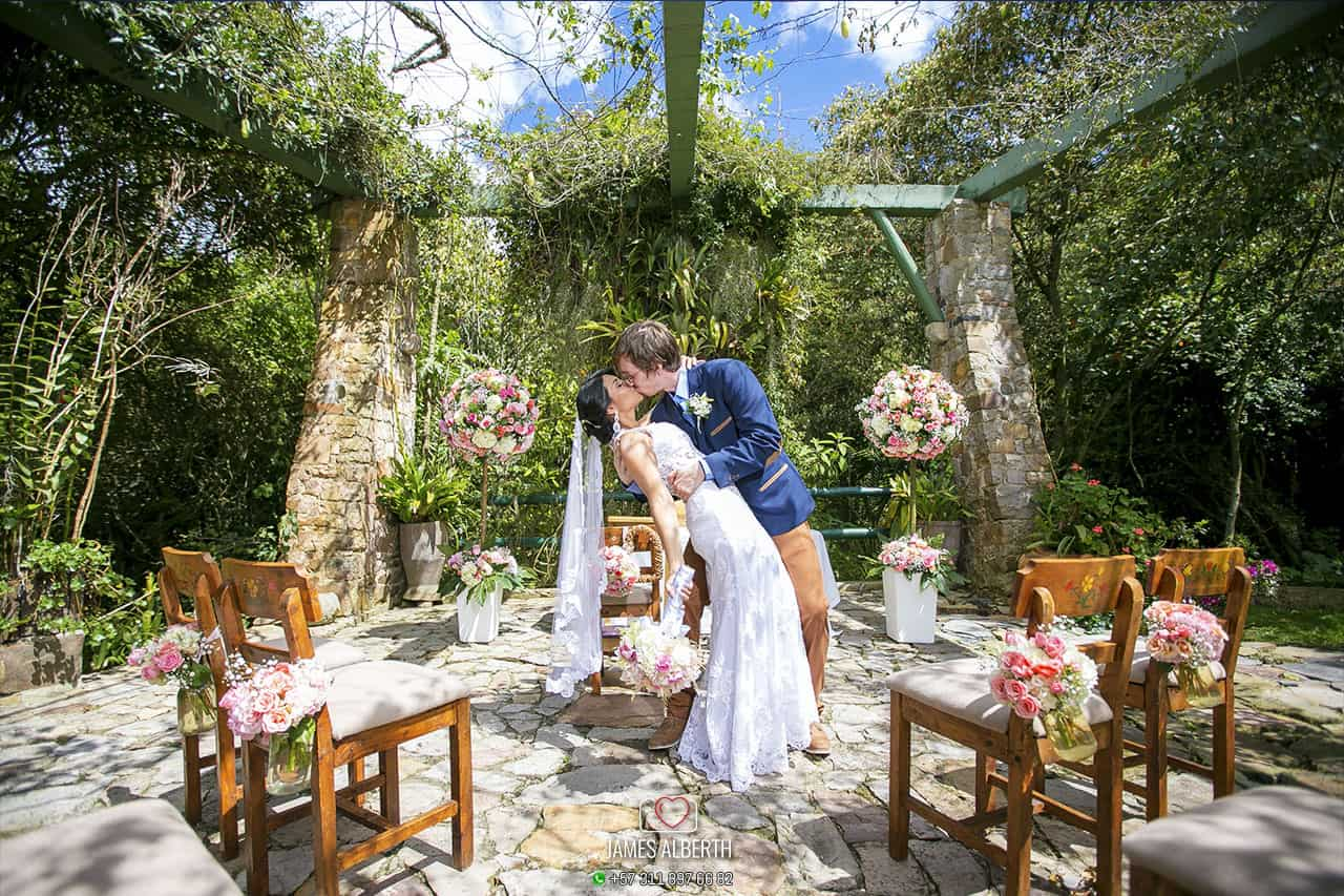 casa-de-campo-potrerito-fotografia-de-bodas-james-alberth-fotografo-de-bodas-matrimonios-campestres-fotografias-haciendas-bogota-potrerito