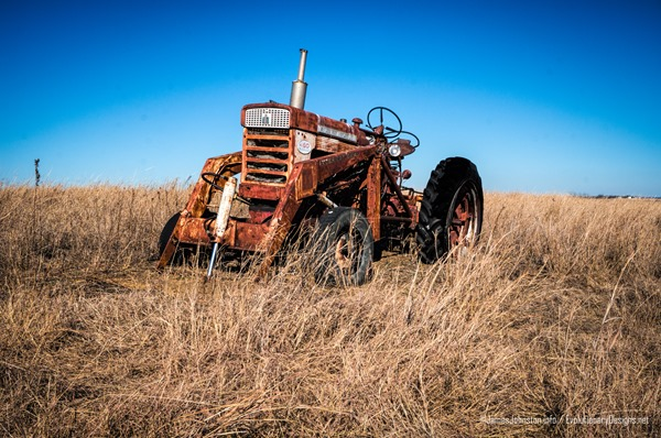 Abandoned Farmall International 460 Tractor