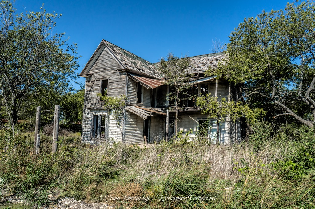 Abandoned farm house in eddy texas james johnston for Country home builders near me