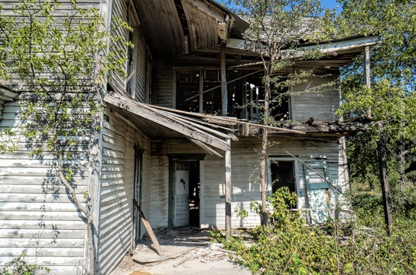 Abandoned-Farm-House-Near-Eddy-Texas-10