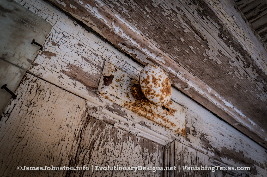 Abandoned Farm House Near Hamlin, Texas - Still has the original Door knobs!