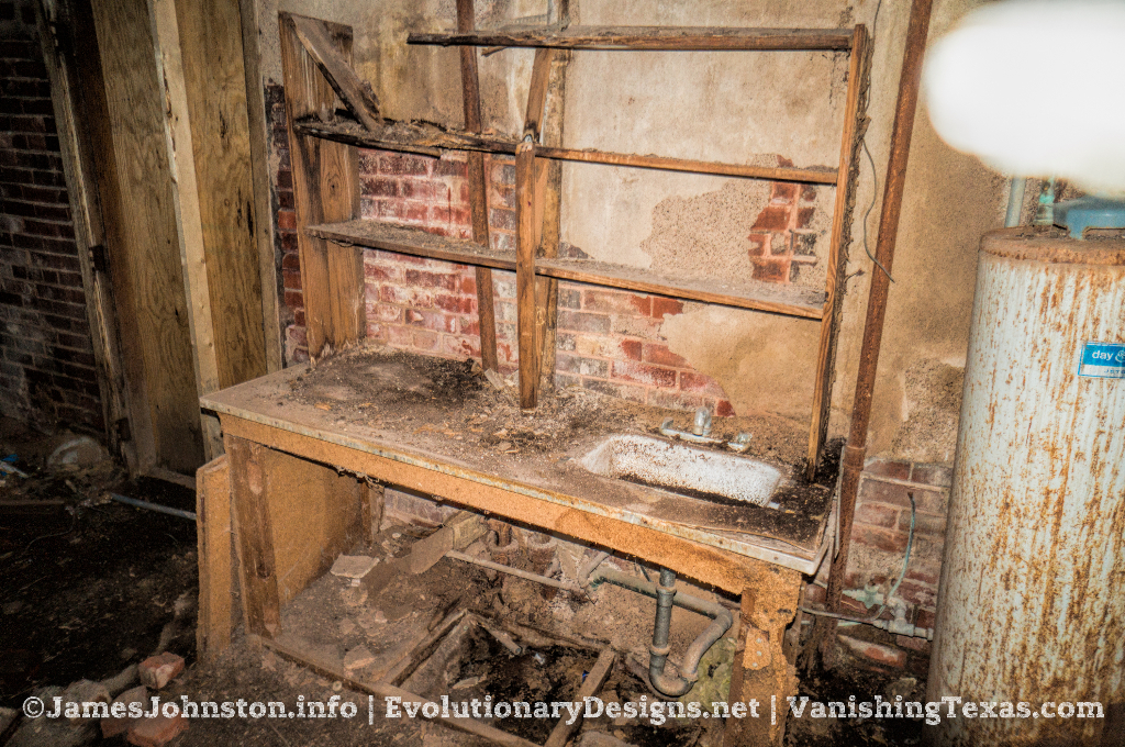 The Abandoned Palace Theater in Anson, Texas - What's in the storage room
