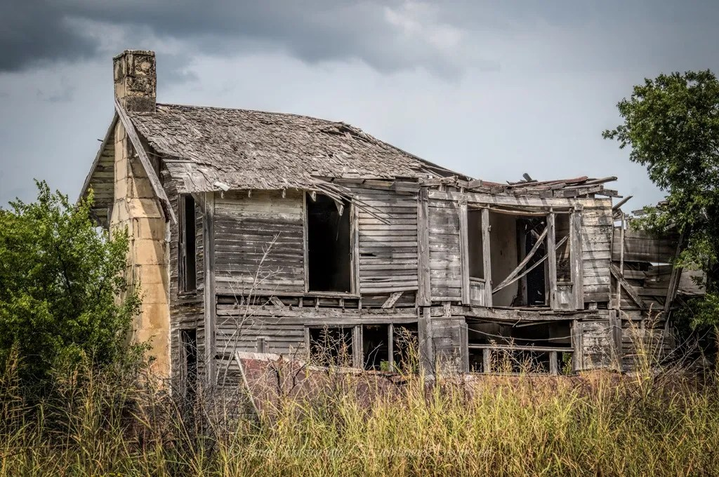 Abandoned Two Story Farm House East of Windom, Texas