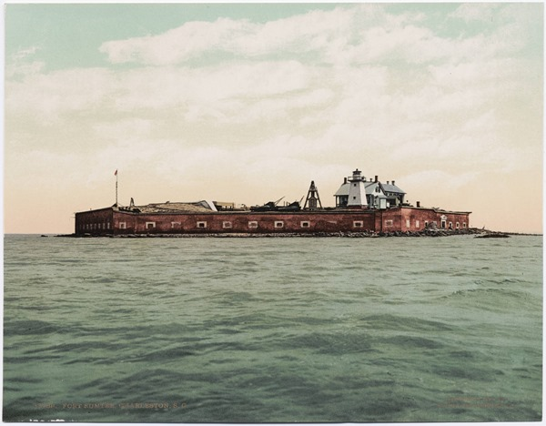 A photochrom postcard published by the Detroit Photographic Company.