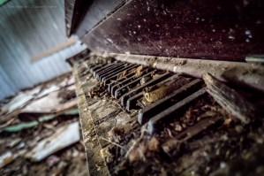 Random Image of the Week #43: Abandoned Upright Piano Found in Southern Kansas
