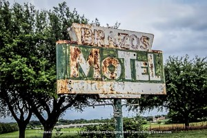 Random Picture of the Week #62: Brazos Motel in Granbury, Texas