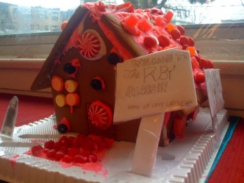 gingerbread_ruby_palace_wide