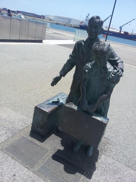 Child immigration statue at Fremantle