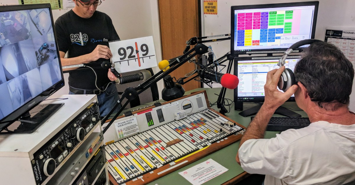 92.9 / 2NCR-FM