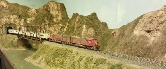 Horsethief Bridge NMRA 2014 - BNSF Trailer Train 1