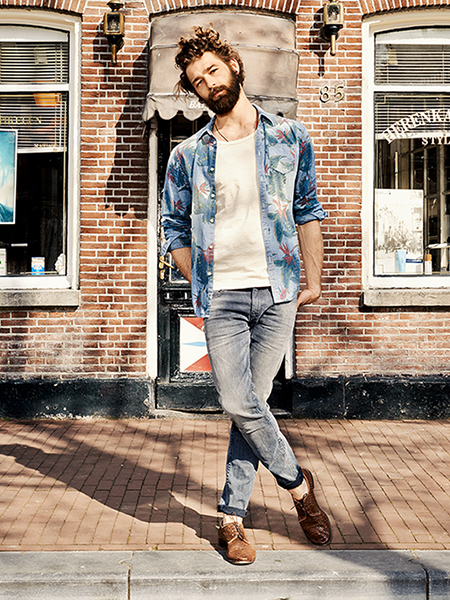 Scotch & Soda S/S14 Amsterdam Blauw Denim Collection floral printed denim shirt denim brown loafers white top
