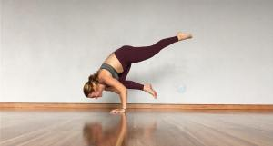 pregnant yogi