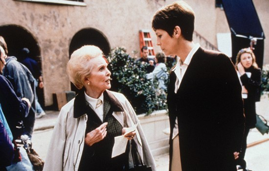 """Jamie Wishes Mother Janet Leigh """"Happy Birthday"""""""