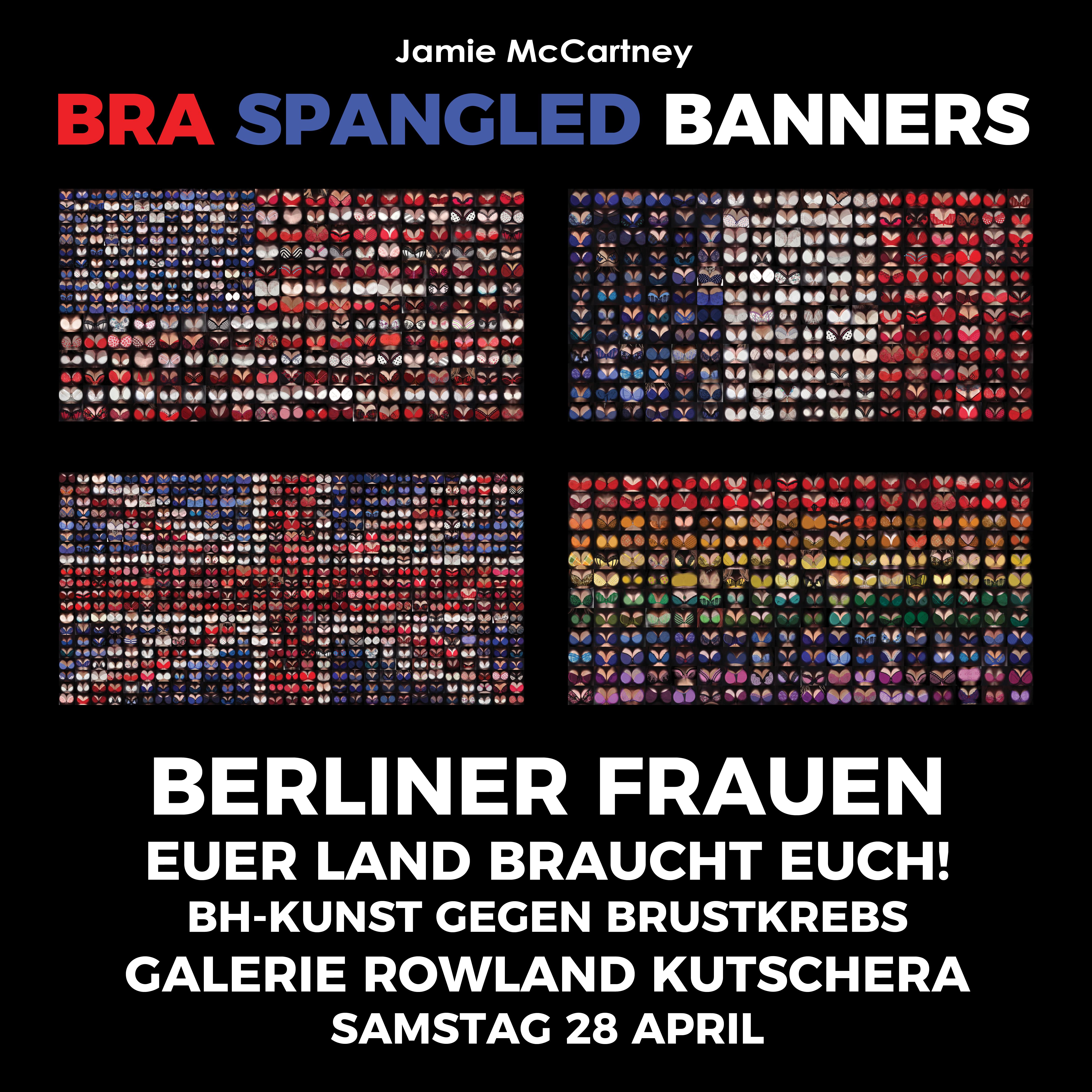 Nationalflaggen von den Bildern von Frauen in den Büstenhaltern in Berlin Deutschland machen