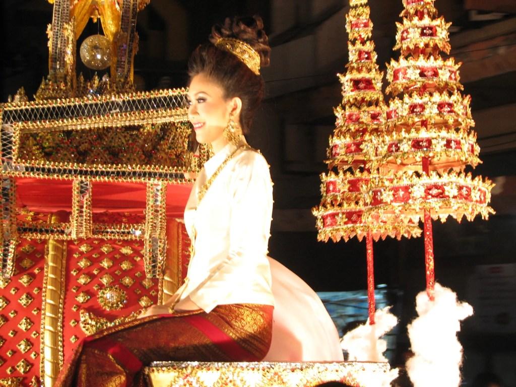 img_7623-1024x768 Loi Krathong festival – Chiang Mai