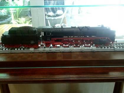miniatur kereta api