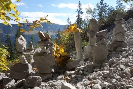 Herbstliche Steinmänner