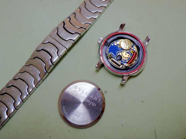 ブルガリ ソロテンポのクオーツ腕時計電池交換