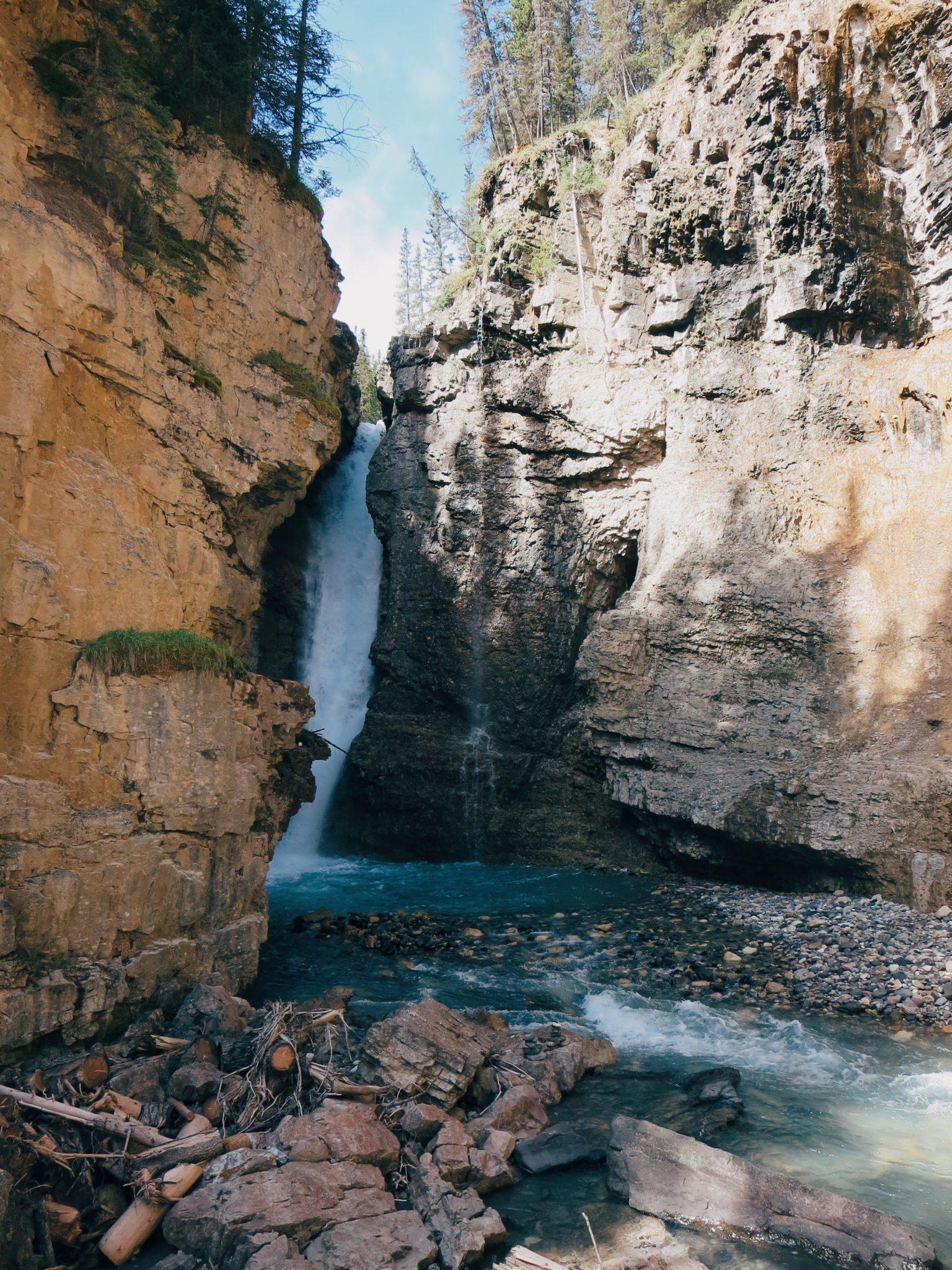 jana meerman johnston canyon