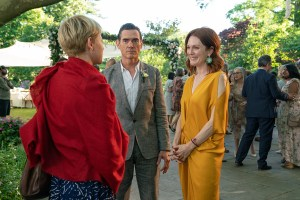 Michelle Williams as Isabel, Billy Crudup as Oscar Carlson, Julianne Moore as Theresa Young.