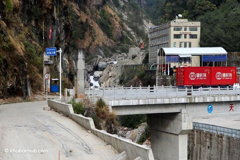 नदी कटानले विद्यालय र उपल्लो तातोपानी बजार उच्च जोखिममा