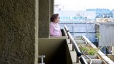 Cuba-Havana-2010-balcony-lady