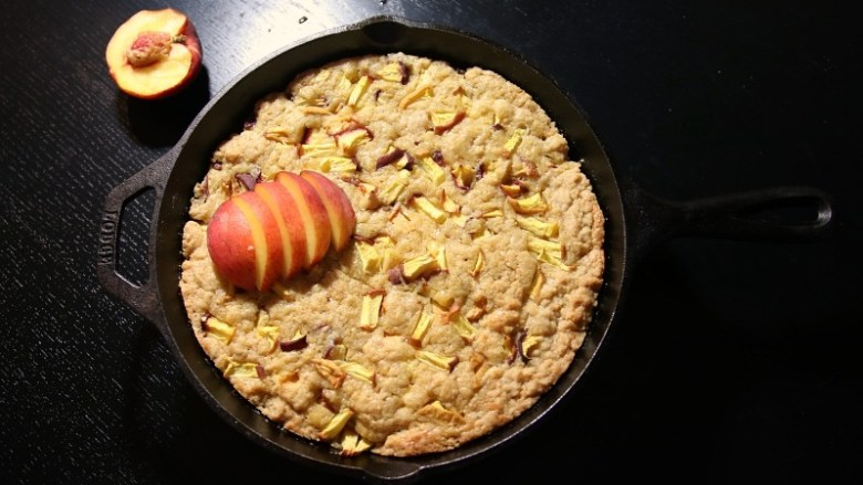Recipe: Easy Peach Skillet Blondies | janavar