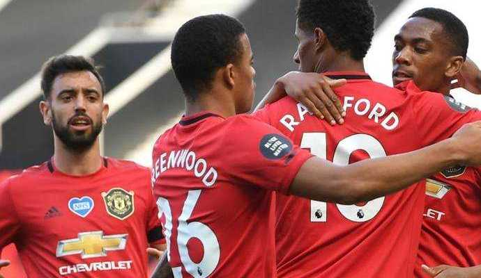 Manchester United beat Aston Villa 3–0 Bruno Fernandes became the star of the match