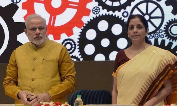 मोदी और निर्मला सीतारमन।
