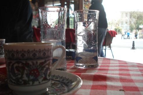 Cozy Bar and Pub, kafa, čaj i rakija, Sultanahmet park