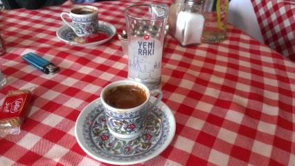 Kafa i rakija (kao uzo)