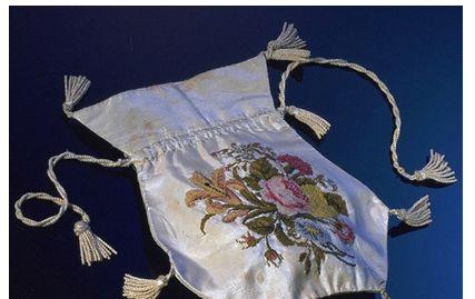rubells-antiques-handbags