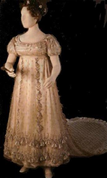 princess-charlotte-court-dress3