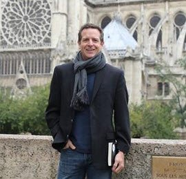Notre Dame poses with Hugh Howey.