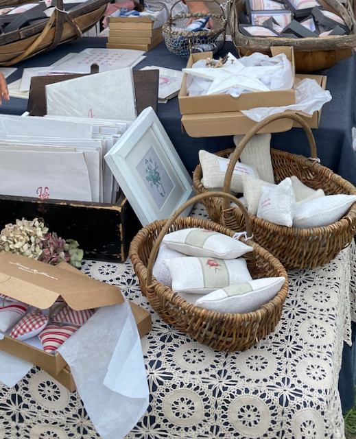 Don't you just love vintage linens?