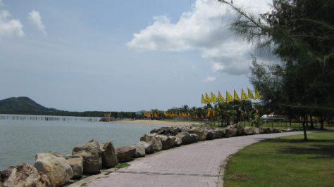 Promenade am Saphan Hin Park