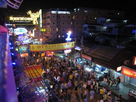 Blick auf den Trubel in der Khao San Road