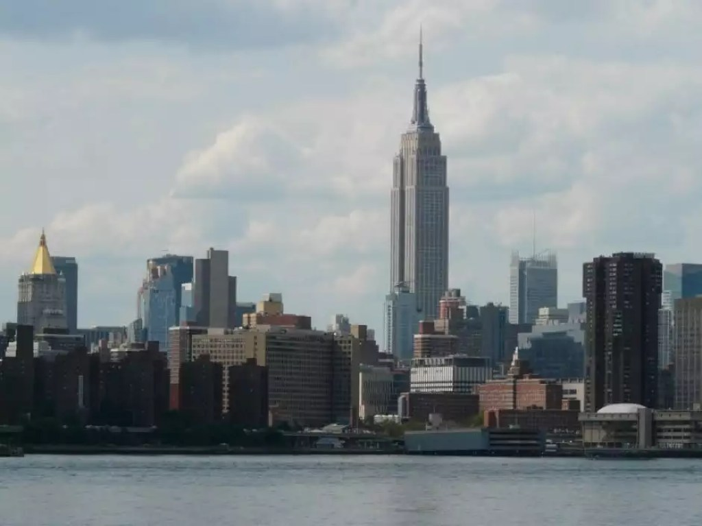 13 - Manhattan skyline