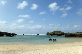 【沖繩Okinawa】自己浮潛玩水,自由免費的「裏真榮田」海灘