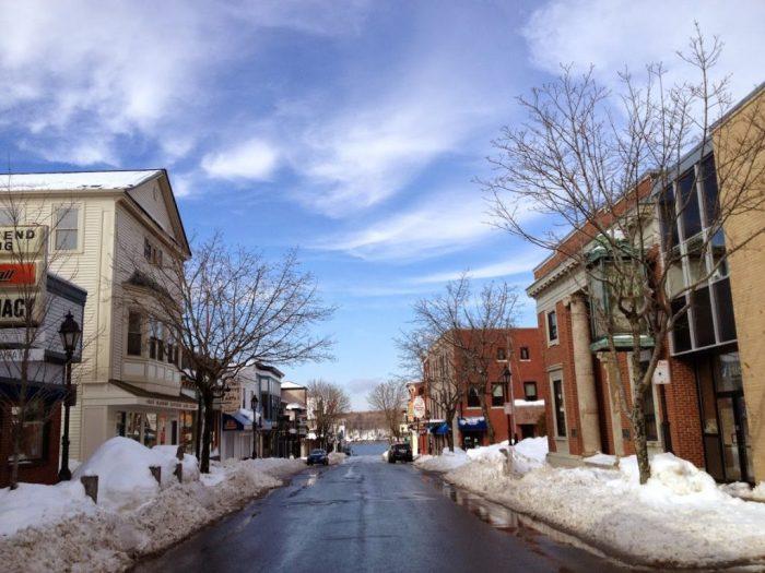 Choosing Bar Harbor, Maine wintertime snowy streets