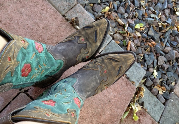 cowboy boots travel shoes for women