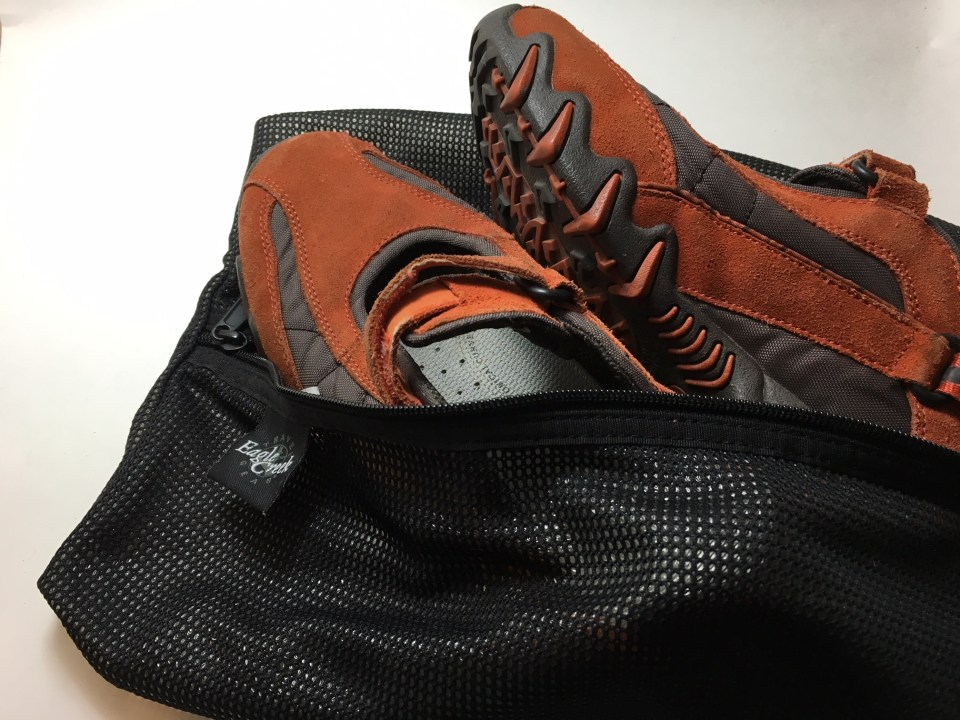 packing light tools, travel shoe bag with orange shoes