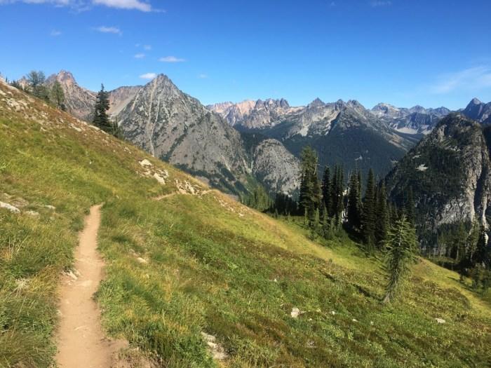 girls' weekend, hiking, north cascade national park, washington, mountains