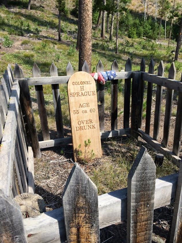 old grave at Custer Idaho