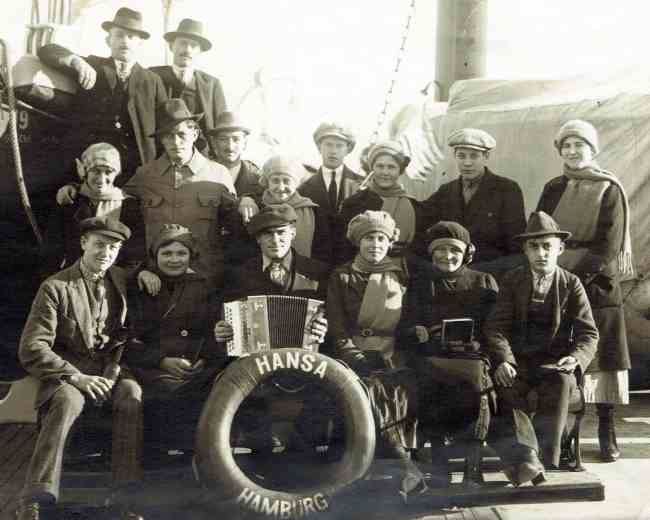 Passengers (and guests) from the SS Hansa