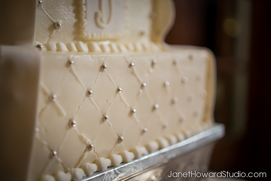 Wedding cake by Cecilia Villaveces