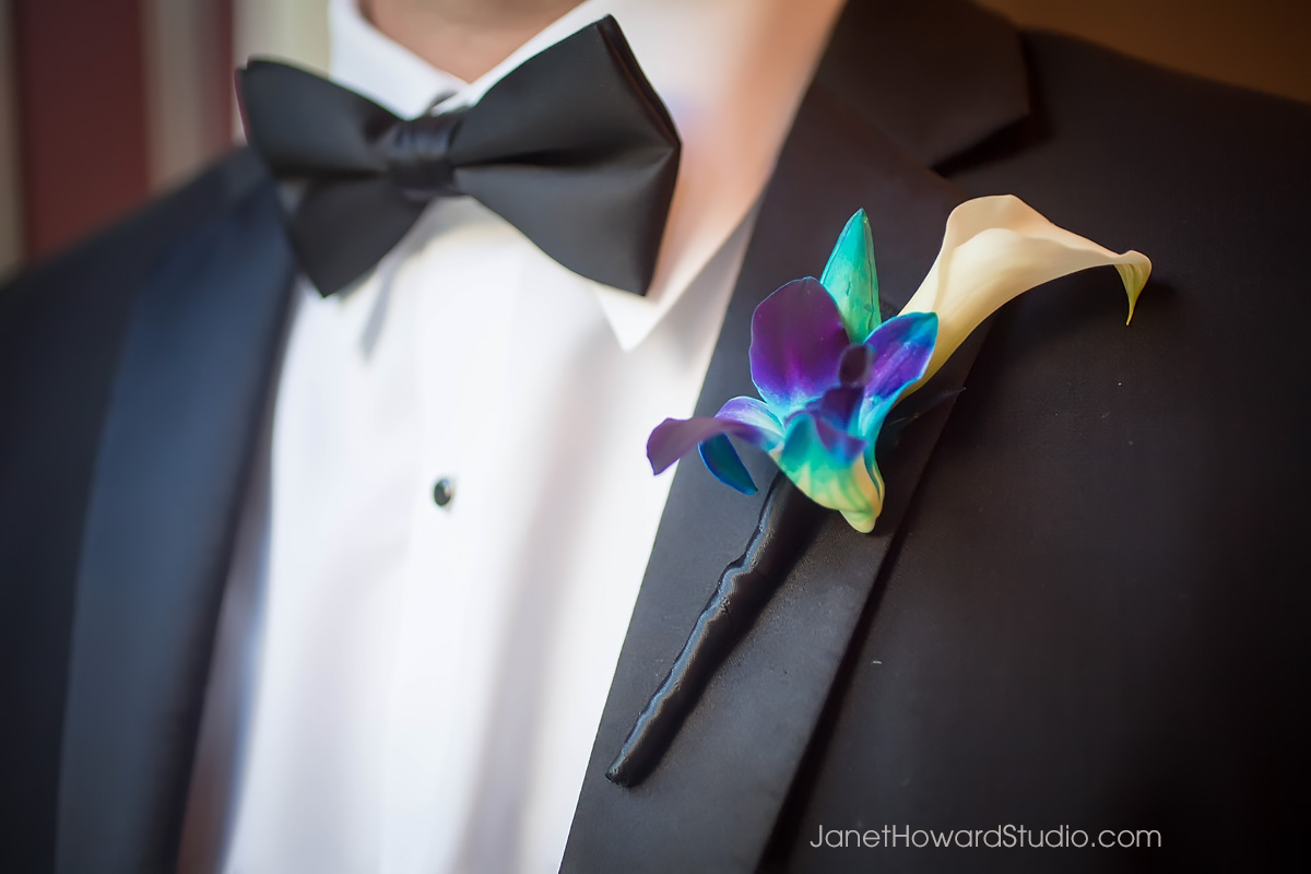 Groom's boutonniere by Edge Design Group