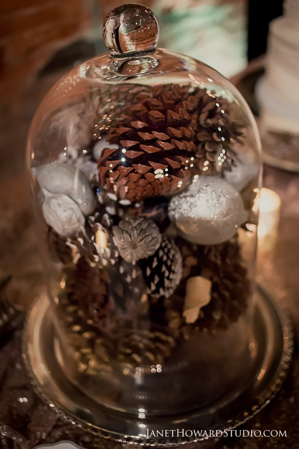 pinecone wedding decor