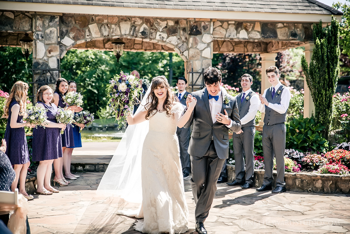 Wedding ceremony at Glendalough Manor